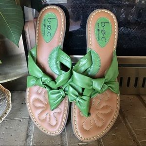 Size 9 B.O.C unique green bow flat sandals. Thong